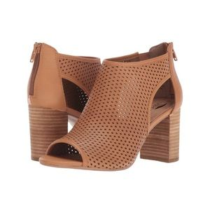 AEROSOLES Shoes - Aerosoles High Frequency Ankle Bootie